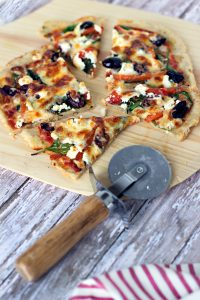 How to make Spinach, Roasted Red Pepper and Goat Cheese Pizza